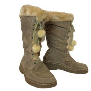 tan winter boots EUC Bare Traps 8